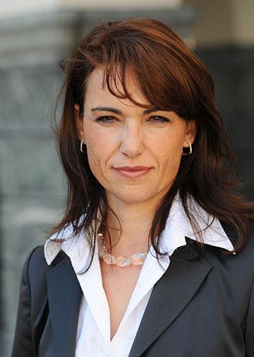 Dr. Maria Škof
