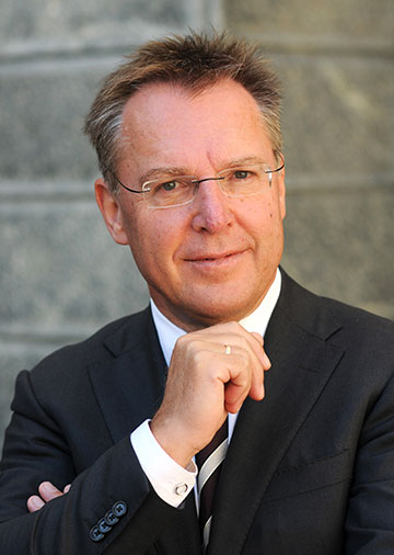Dr. Roland Grilc